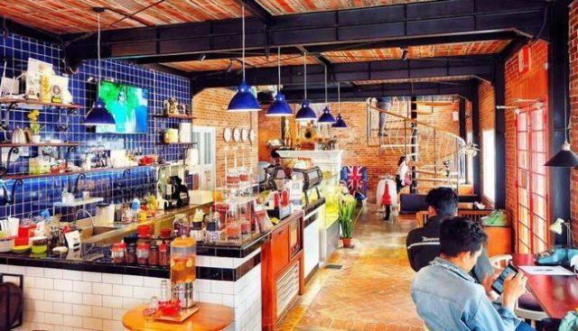 Sedang mencari tempat nongkrong di Jogja dengan suasana yang berbeda dan Instagramable Cafe Brick, Tempat Nongkrong di Jogja Dengan Konsep Eropa