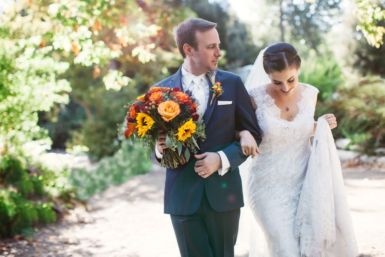 aaron + laura   The Homestead Oak Glen Wedding Photography