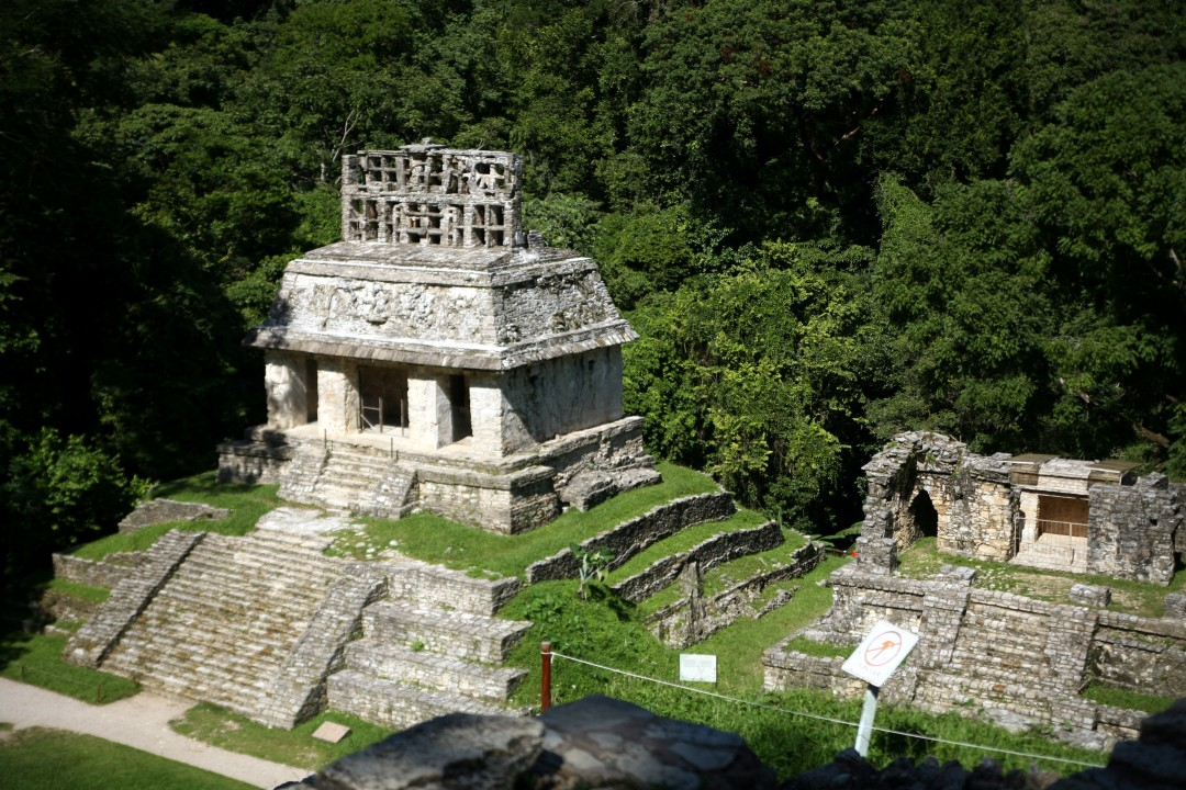 Le groupe de la Croix à Palenque © M.C.