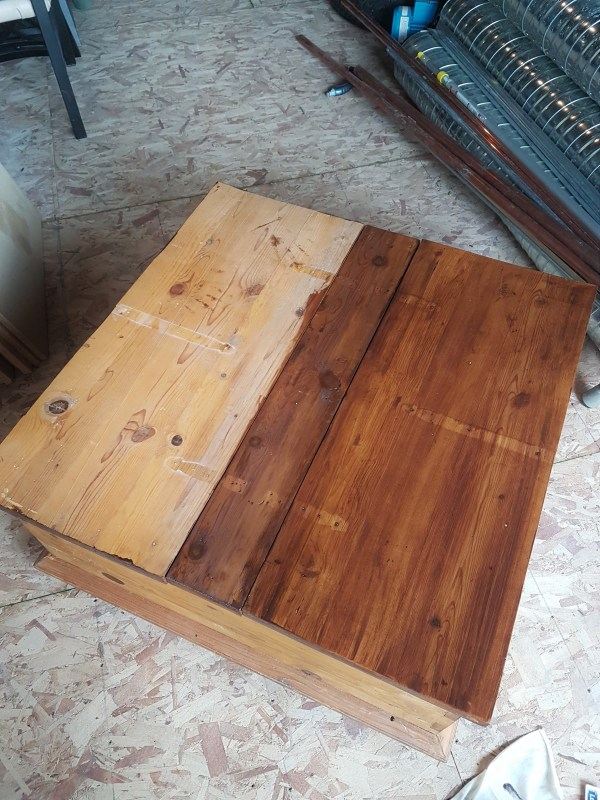 staining-wood-furniture-compare