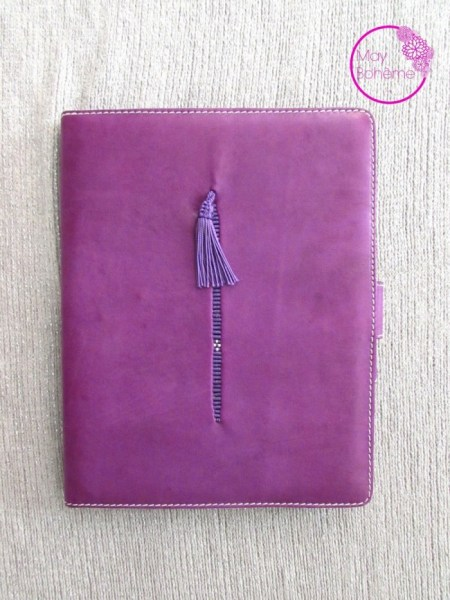 "POCHETTE IPAD CUIR Violette brodée collection ""la babouche"""