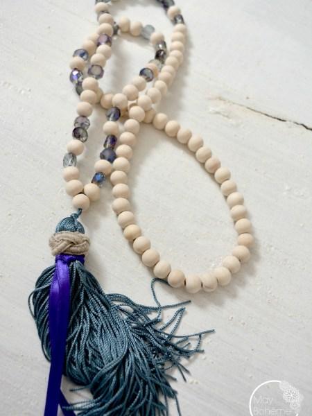 """Sautoir Wood Precious """"NATURAL"""" - sautoir en bois naturel, perles moirées bleu violet facettées, long pompon"""