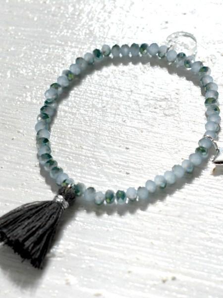 BRACELETS BLUE BOHEMIENNE CHIC - bracelet en perles de bohème bleu gris, étoile plaqué argent, pompon anthracite