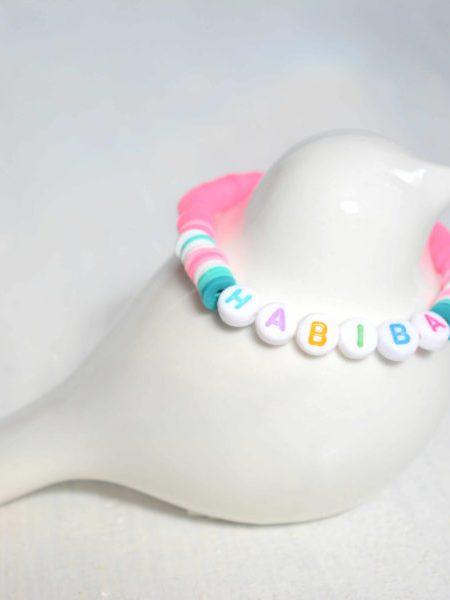 """Bracelet SOFTY """"Little Manouche"""" Perles fluo et jolis mots"""