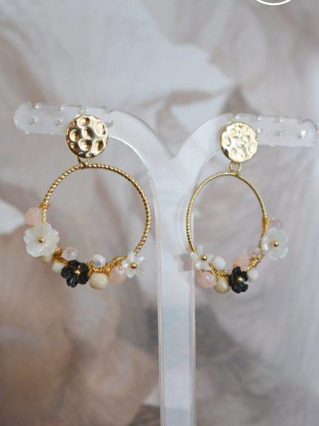 """Boucles d'oreilles Pretty Blossom """"Art Bucolique"""" - Créoles fleur nacre"""
