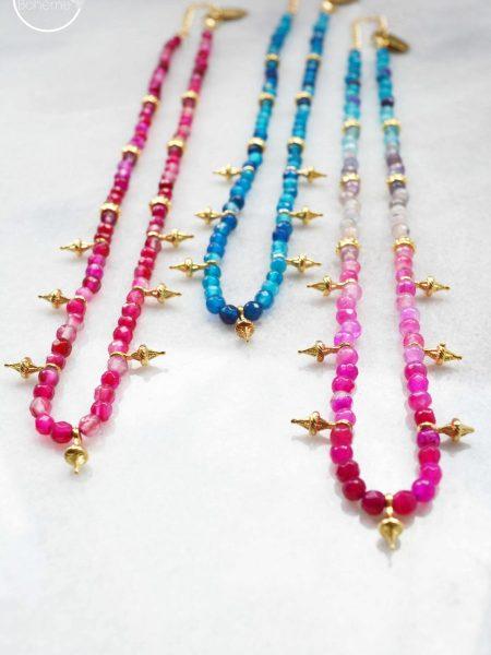 """Collier Sweet Jaipur """"INDIAN MOOD"""" - Ras du cou en pierre fine rose bleu pendentif fleur plaqué or"""