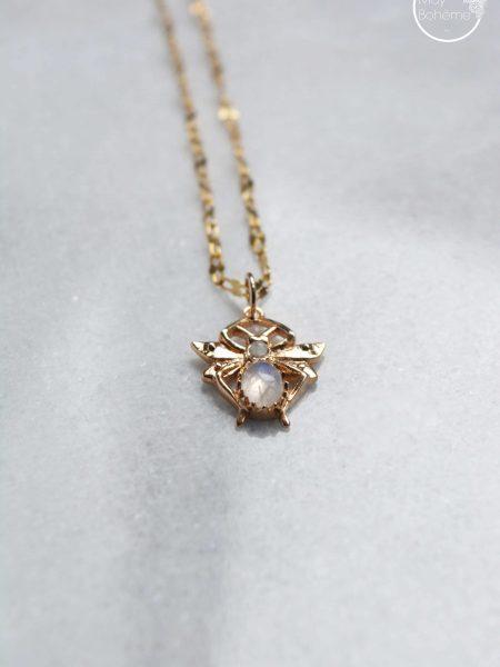 """Sautoir Melle Blossom """"Art Bucolique"""" - Sautoir pendentif Abeille pierre de lune plaqué or"""