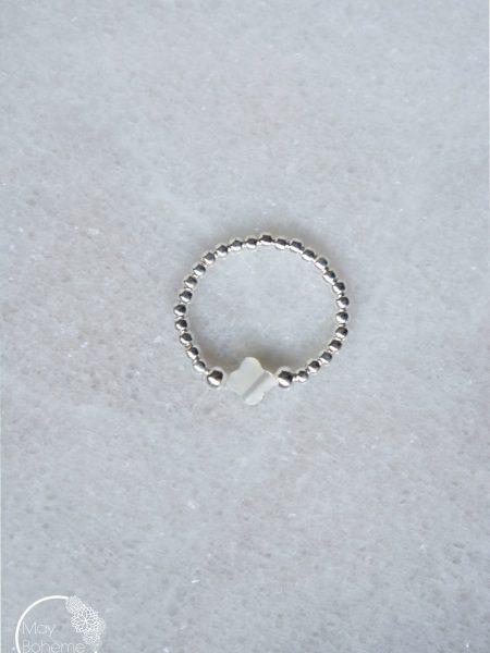 """Bague Aude """" BOHEMIAN MOOD"""" - Bague fine perles argent nacre trèfle ou étoile élastique"""
