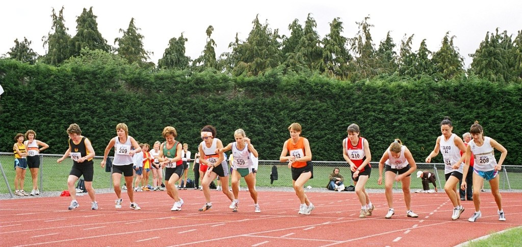 Start of the women's masters 1500 metres Tullamore 2006