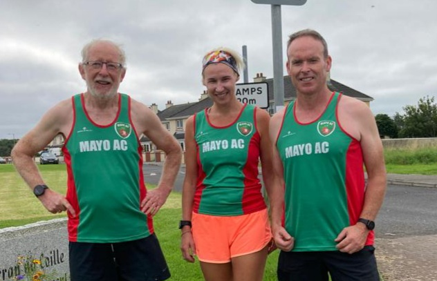 Coasting to 10k pbs at Easkey were Ray Clarke right) and Dee Corcoran (centre) with Tom Hunt (left) 5k finisher