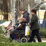 Los cuidadores no profesionales de personas en situación de dependencia pueden suscribir un convenio especial con la Seguridad Social sin coste alguno