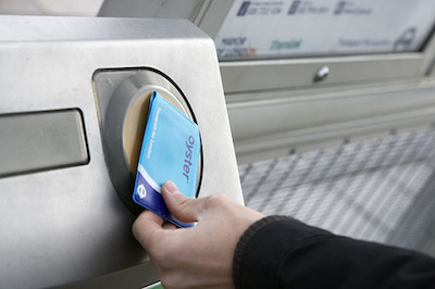 LU say more and more passengers are using Oyster over ticket offices. Image: TfL
