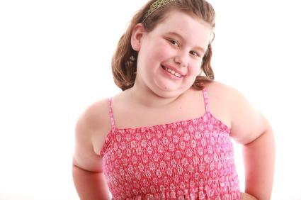 141488-425x282-chubby-girl-in-sundress