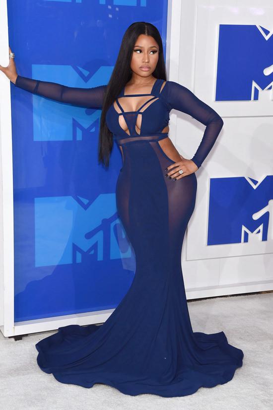 Nicki-Minaj-2016-MTV-Video-Music-Awards-Red-Carpet-Fashion-Bao-TRanchi-Tom-Lorenzo-Site-2