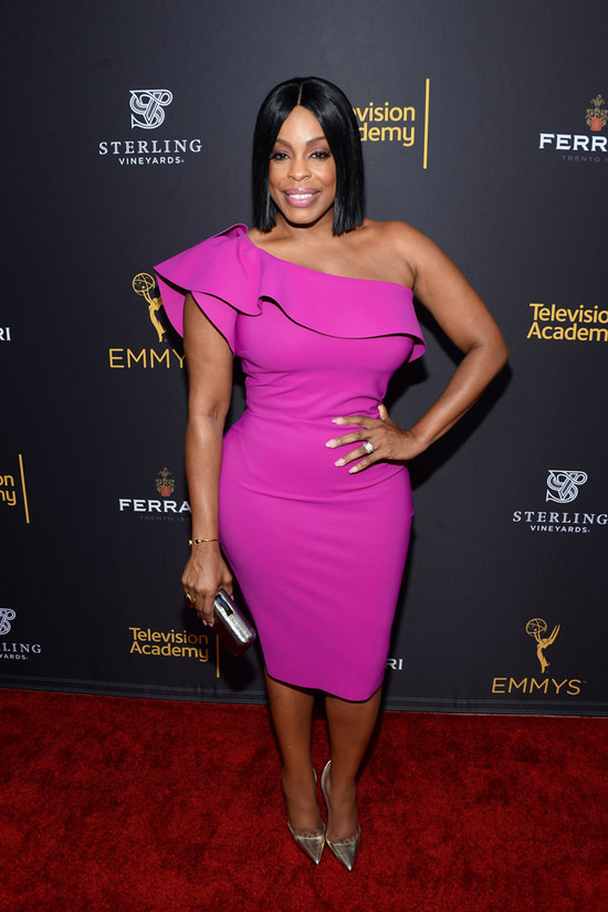 Niecy-Nash-Television-Academy-Performers-Peer-Group-Celebration-Red-Carpet-Fashion-Tom-Lorenzo-Site-2
