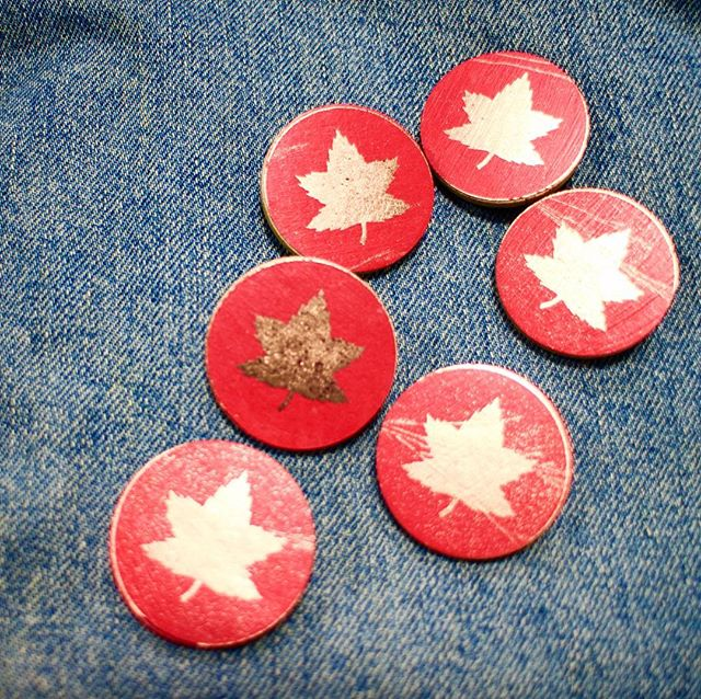 On the 11th day, at the 11th hour... My boss is a WWI historian, who is in northern France today to celebrate the Armistice with residents of the small town where the last Canadian died in battle. I made him these pins of the Canadian Corps formation sign to give as gifts to the ceremony participants.#armistice #remembranceday #canada #canadian #lestweforget #wwi #worldwar #mapleleaf #red #gold #armisticeday #remember #flag #history #poppy #poppies