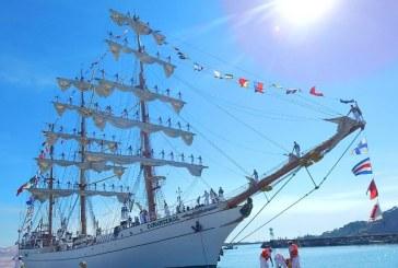El  Barco Escuela Cuauhtemoc en Mazatlan 14
