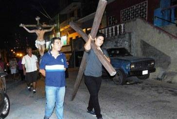 Procesión del Silencio en el Barrio de las Calaveras de Mazatlán 2016