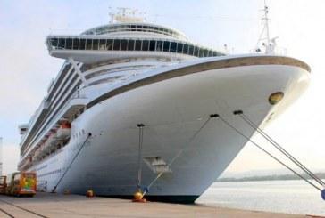 Arriba crucero Con 4,334 turistas