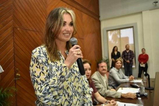 Celia Jáuregui Ibarra la nueva directora del Acuario