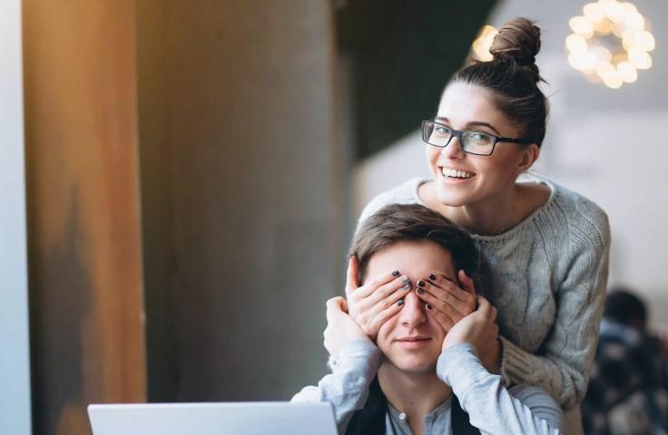 Girlfriend making her boyfriend surprise and closing eyes