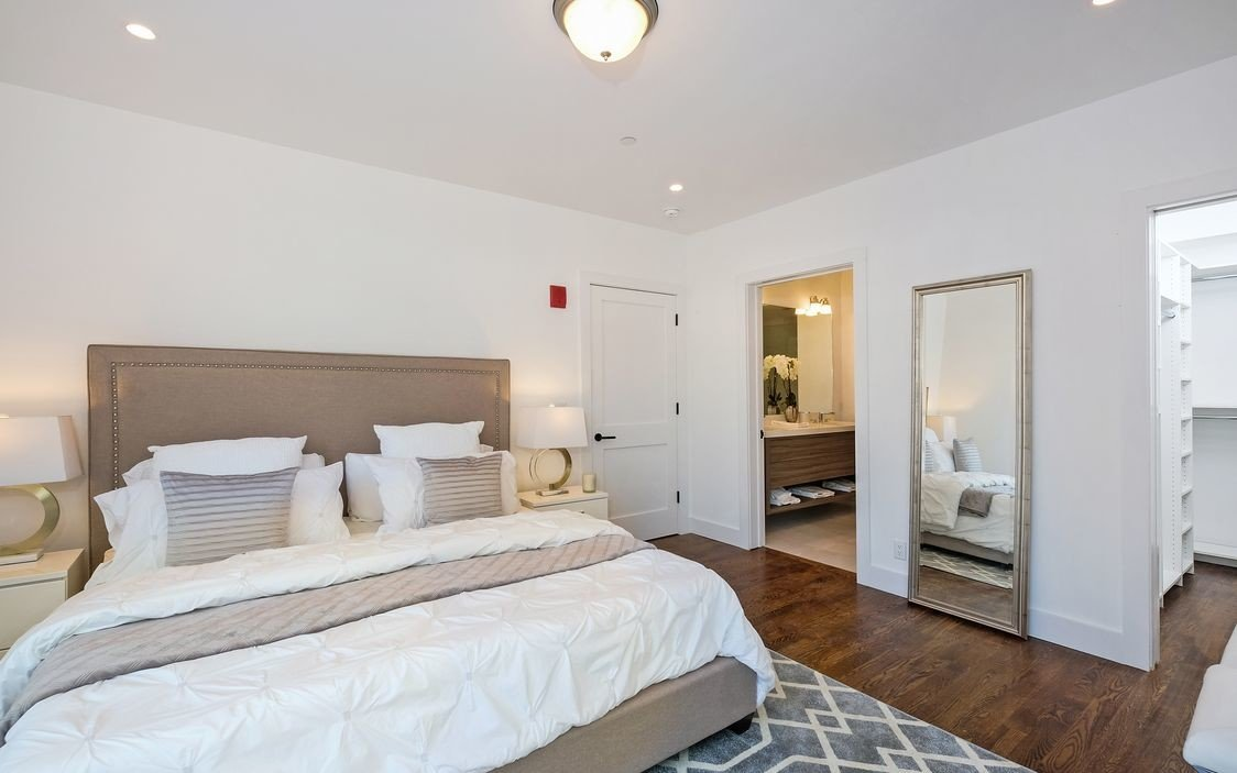 murphy-brothers-contracting-commercial-marina-court-bedroom