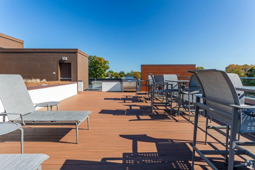 murphy-brothers-contracting-commercial-marina-court-rooftop