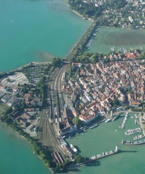 Luftbild der hinteren Lindauer Insel mit Bahnhof