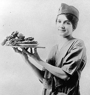WWI_Doughnut_Girl3