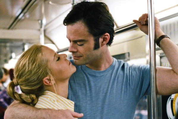 TRAINWRECK - 2015 FILM STILL - Pictured: Amy (AMY SCHUMER) gets closer to Aaron (BILL HADER) - Photo Credit: Universal Pictures  © 2015 Universal Studios. ALL RIGHTS RESERVED.