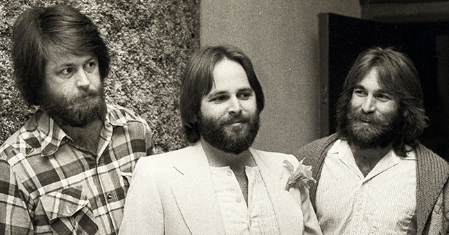 musical-siblings-brian-wilson-dennis-wilson-carl-wilson-billboard-650