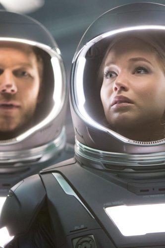 chris-pratt-and-jennifer-lawrence-in-passengers-2016-movie