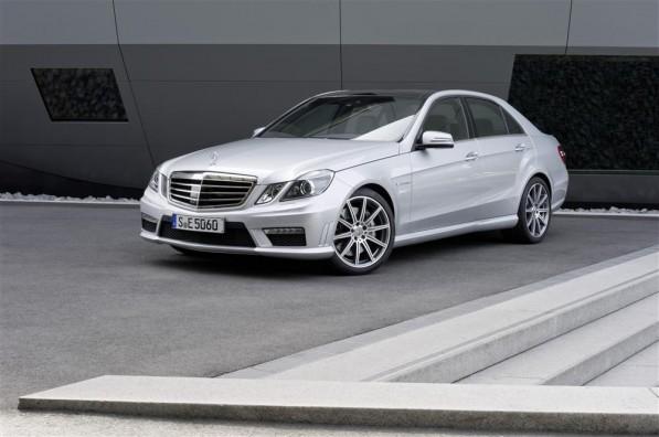 831216 1536553 7512 4992 11C373 05 Custom 597x396 The E 63 AMG with new AMG 5.5 litre V8 biturbo engine