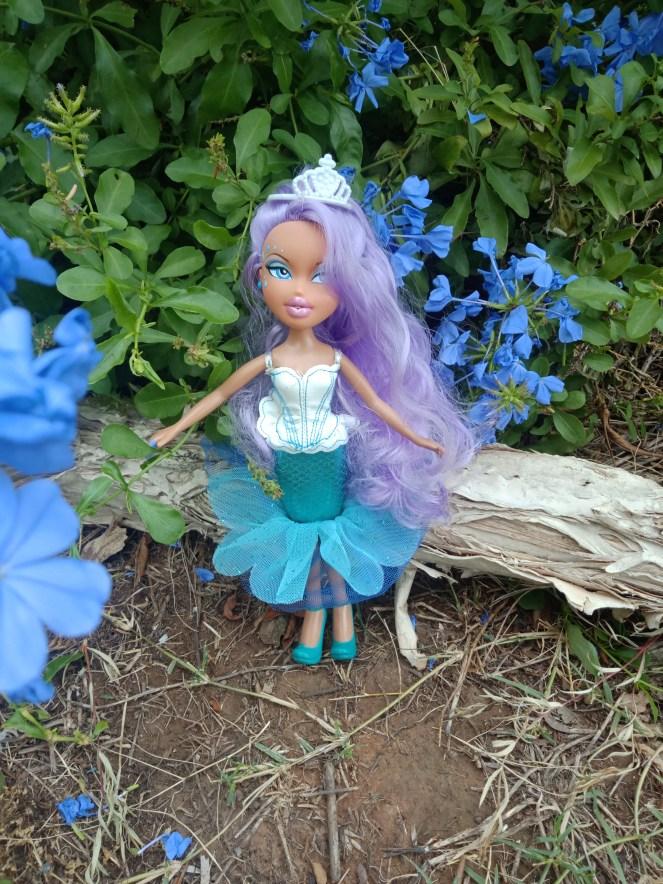 Bratz Doll Masquerade Mermaid Geneva blue eyes