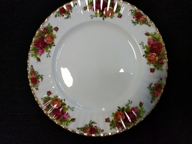 Royal Albert  Old Country  Roses, dinner plate, made in England