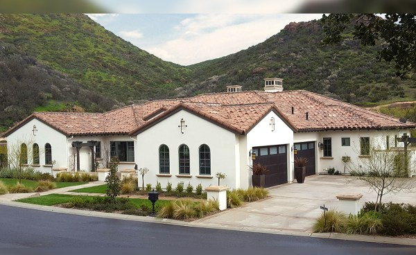 """One Piece """"S"""" Mission Clay Roof Tile in CB364-R Vintage Carmel Blend - Home in Thousand Oaks, CA"""