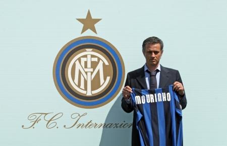 https://i1.wp.com/www.mcalcio.com/wordpress/wp-content/uploads/2008/06/mourinho_inter_large_1.jpg