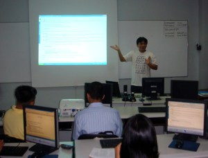 Sir Jojo lectures about web accessibility in the Philippines.