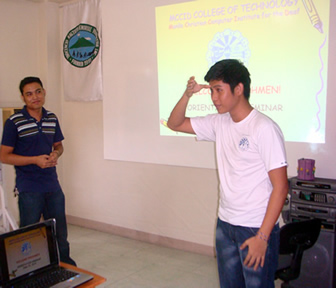 Sir Lucky explains rules to Pampanga students.
