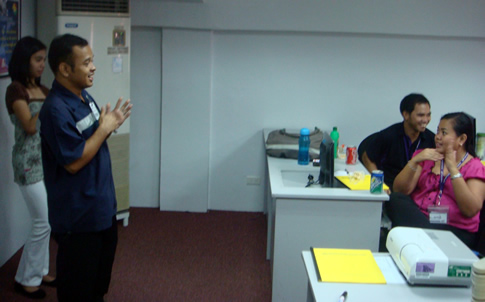 MCCID Trains Air21 Employees in Sign Language