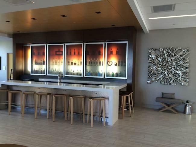 AC Hotel National Harbor bar