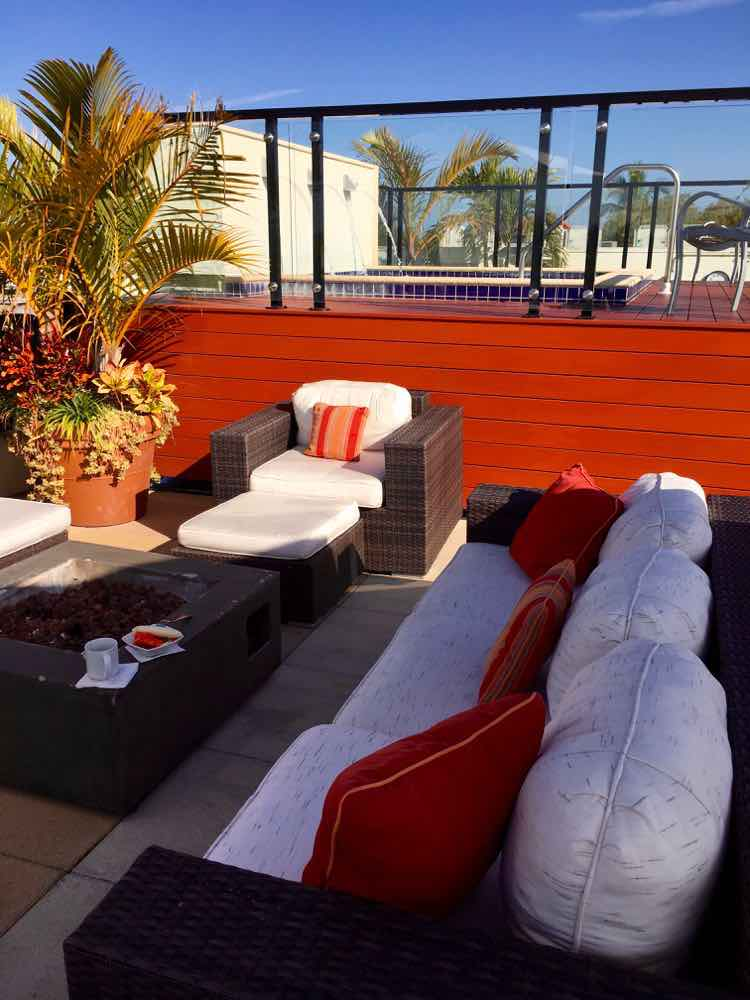 rooftop lounge at Inn on 5th Naples