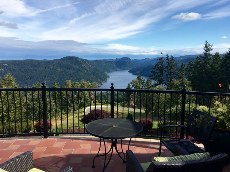 romantic hotel in Canada: Villa Eyrie in Malahat, BC