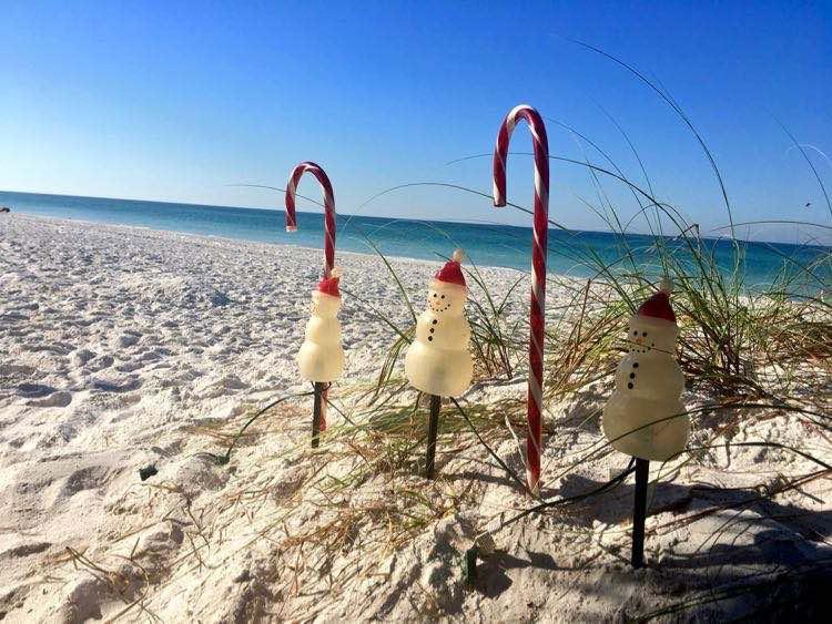 Tropical Christmas.Fun Tropical Christmas Decorations To Inspire A Florida