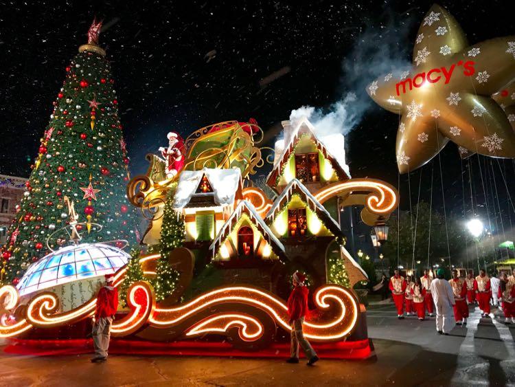 Santa at Universal Orlando Resort
