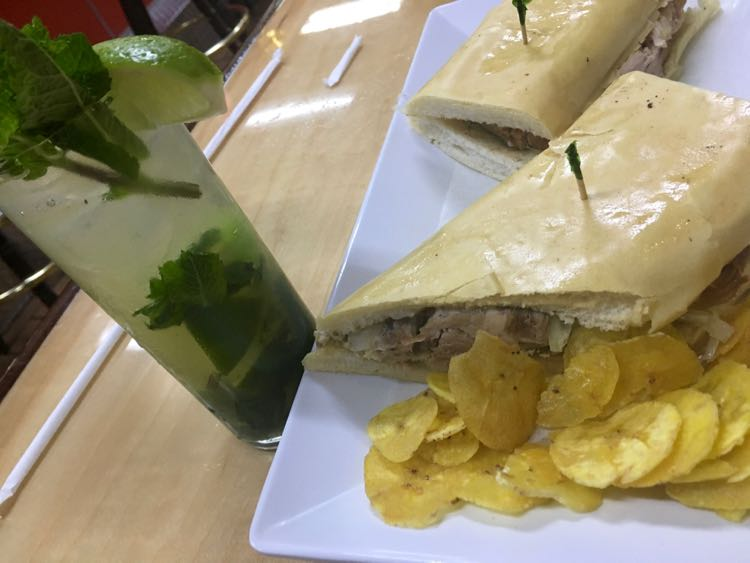 Places to Eat in Florida : mojito and Cuban food at Romeu's in Pembroke Pines Florida