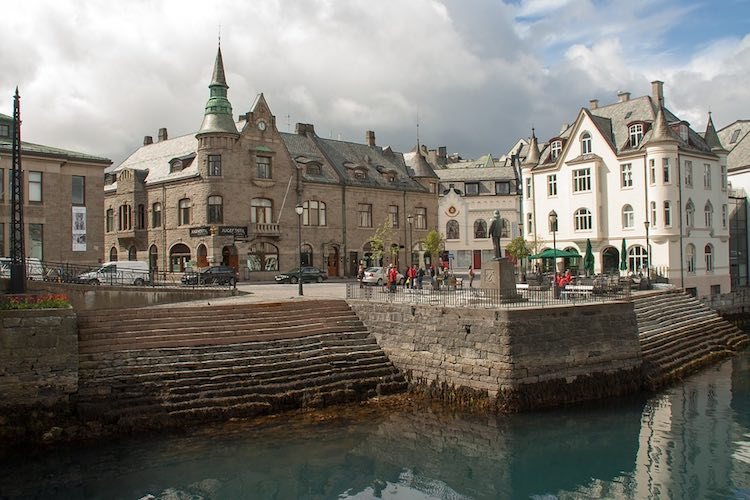 things to do in Alesund Norway. Article by Pierre of Anything Under Our Stars
