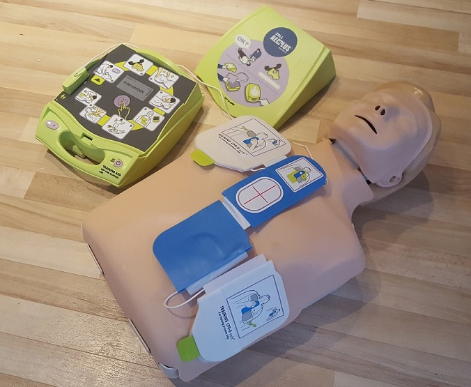 Defib pad placement