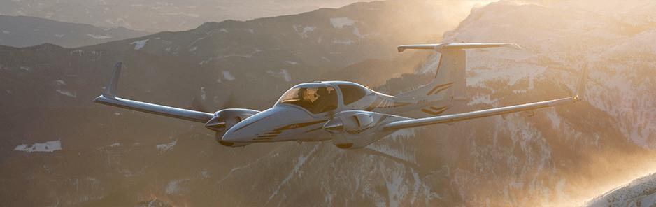 Diamond-DA42-Flying1-938x296