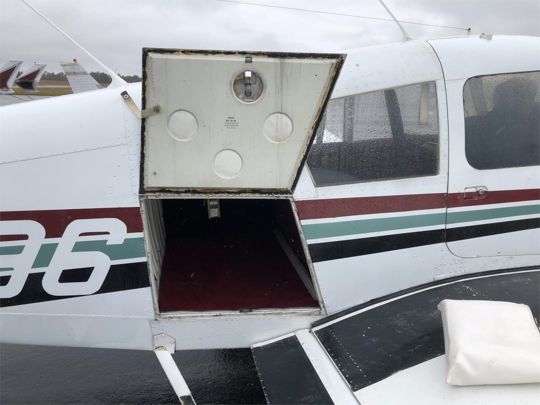 1973 PIPER ARROW II rear compartment door open